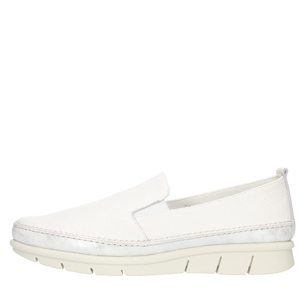 The Flexx SLIP ON White