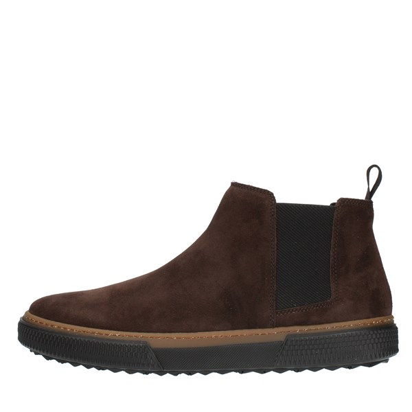 Frau ANKLE Brown