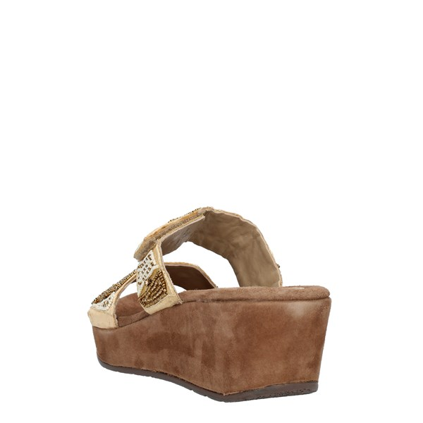 Clia Walk  With wedge Beige