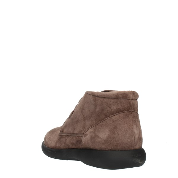 Frau boots Brown