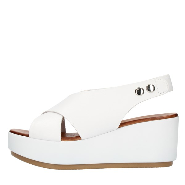 Inuovo  With wedge White