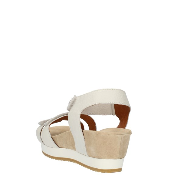 Benvado  With wedge White